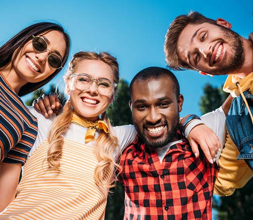 auburn lakes orthodontics spring tx services teens happy friends smiling in the park
